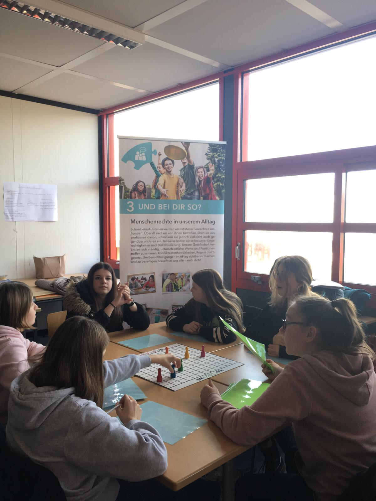 Workshops zum Thema Menschenrechte in der Klassenstufe 8